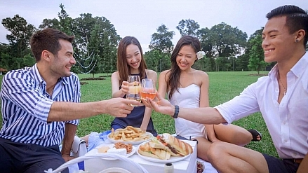 The Islet Picnic Singapore – Nautical-themed Wine, Dine & Dance