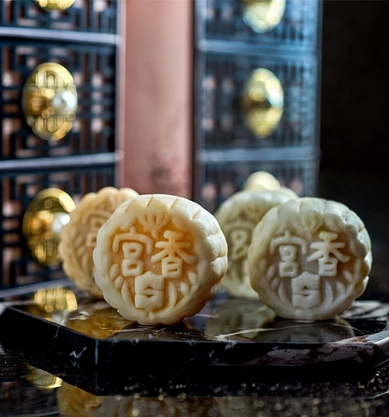 Shang Palace Mooncakes Entice With Favourites & New Flavours